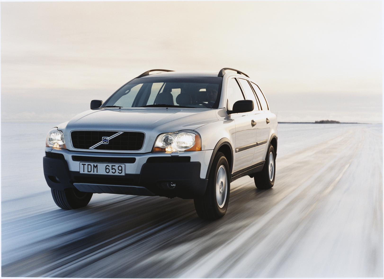 volvo xc90 essais fiabilit avis photos prix. Black Bedroom Furniture Sets. Home Design Ideas