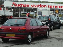 Grèves : de nouvelles difficultés aujourd'hui dans les stations-service