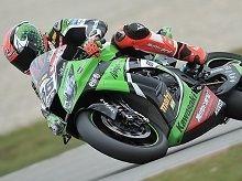 Superbike Assen M.1: Tom Sykes domine et Sylvain Guintoli gère
