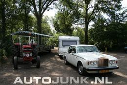 Une Rolls-Royce Silver Shadow… Qui tracte une caravane