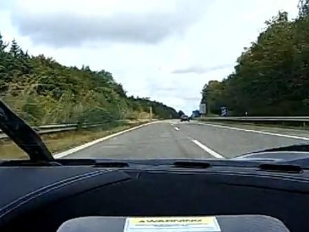 [Vidéo] Une Koenigsegg CCXR met le feu sur autobahn
