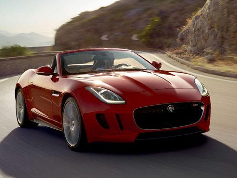 (Minuit chicanes) Jaguar F-Type: un bien meilleur rapport performances-prix qu'une Porsche 911