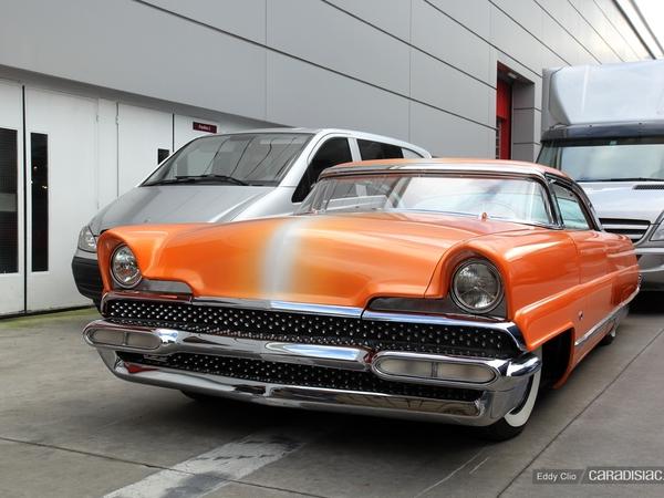 Photos du jour : Lincoln Première (Dreamsicle) Hot rod 1956 (Retromobile)
