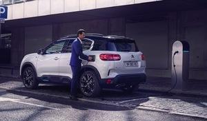 Relance du marché automobile: nouveaux bonus et baisse de la TVA à l'étude