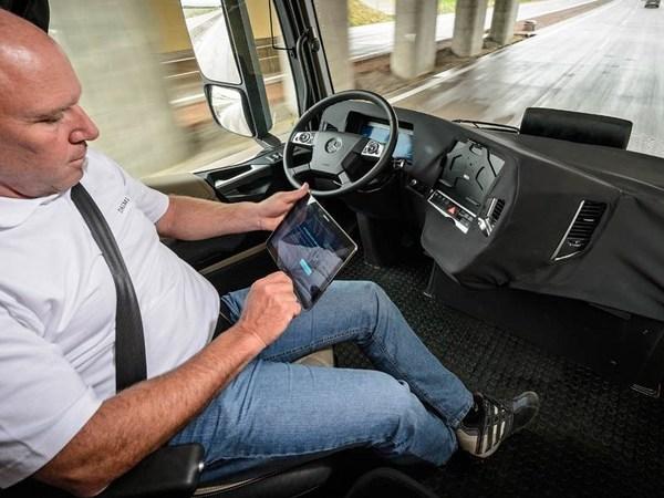 Des camions Mercedes autonomes pour 2025 ?