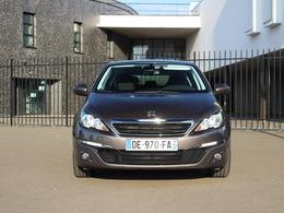 Peugeot offre l'assistance gratuite à ses clients, mais...