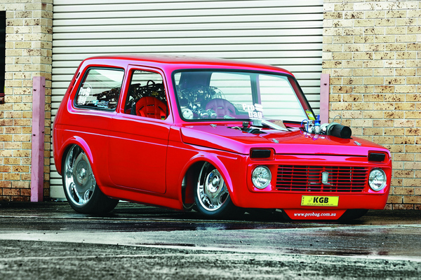 Réveil Auto : Lada Niva V8 Turbo Probag, pour en finir avec les blagues douteuses [Vidéo]