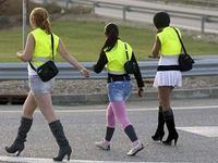 Les prostituées espagnoles contraintes de porter le gilet jaune aux abords des routes où elles travaillent