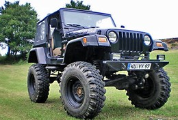 Jeep Wrangler V12 : tout simplement terrifiante !