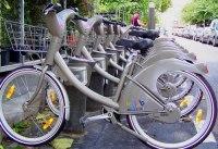 Paris : Vélib' et vélocistes main dans la main pour les déplacements doux