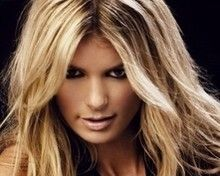 Moto & Sexy : La très sexy Marissa Miller chevauche un gros engin !