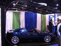 Tesla Motors/SolarCity : la Tesla Roadster électrique a déjà droit à son abri solaire !