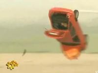 [Vidéo] Pour votre sécurité, évitez de placer votre voiture derrière le réacteur d'un Airbus