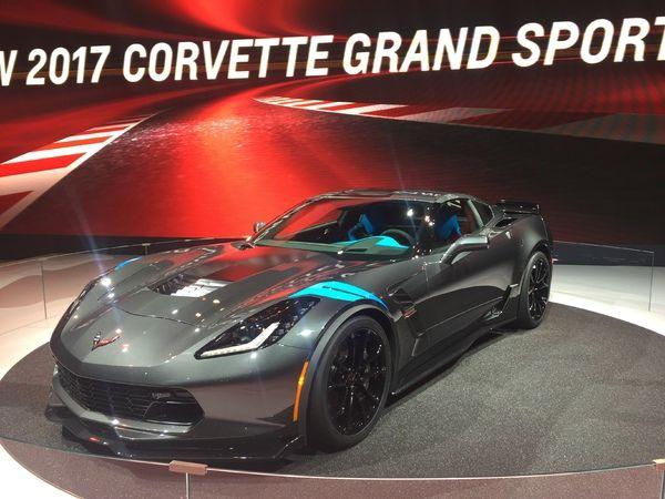Chevrolet Corvette Grand Sport: le look, mais pas que - Vidéo en direct du salon de Genève 2016