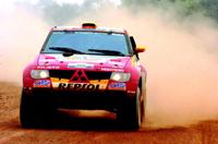 UAE Desert Challenge : Luc Alphand prend la tête du rallye