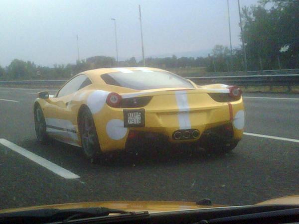 La nouvelle Ferrari 458 Italia se promène...