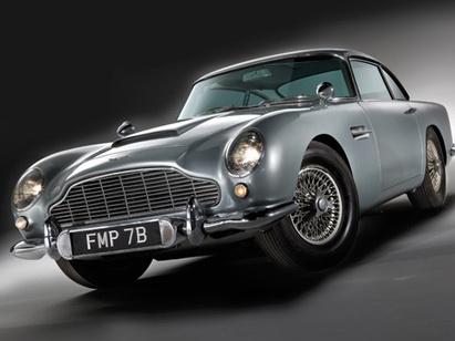 Plus de quatre millions de dollars pour l'Aston Martin DB5 de James Bond