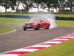 Fifth Gear : Audi RS5 vs Mercedes C63 AMG Coupé, qui l'emportera ?