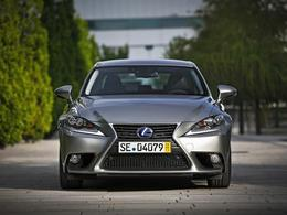 Mondial de Paris 2014 - La Lexus IS évolue tout en douceur