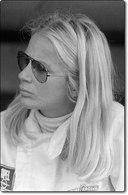 Marie-Claude Beaumont : la petite blonde à la grosse voiture
