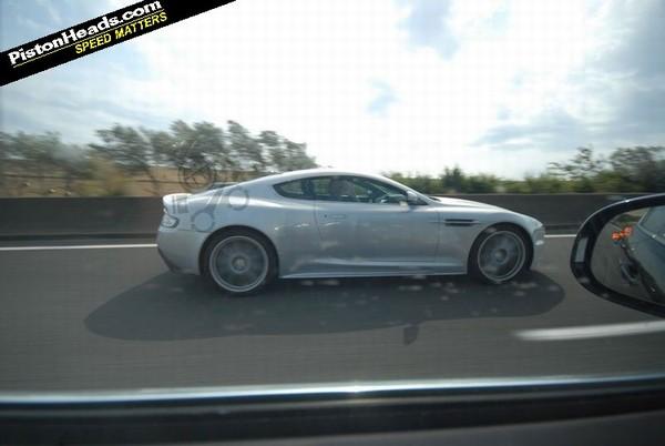 Plus de pepps pour une future Aston Martin DBS R?