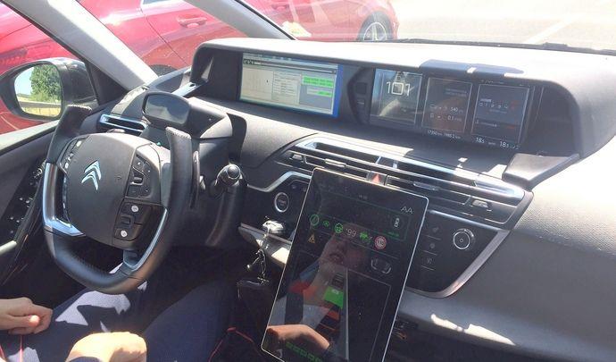 Voiture autonome: PSA dévoile sa feuille de route (vidéo)