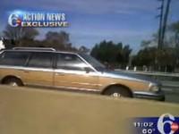 [Vidéo] Elle roule tranquillement en sens inverse sur l'autoroute