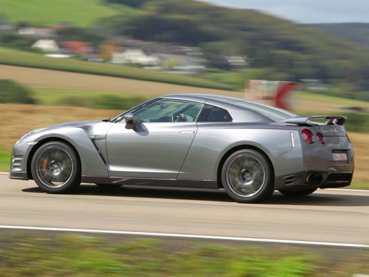 Nissan GT-R 2012 : les 550 ch sont officiels
