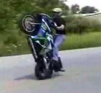 Vidéo moto : Régis fait du Stunt