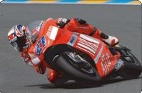 Casey Stoner et la Ducati Desmosedici s'invitent au Stade de France