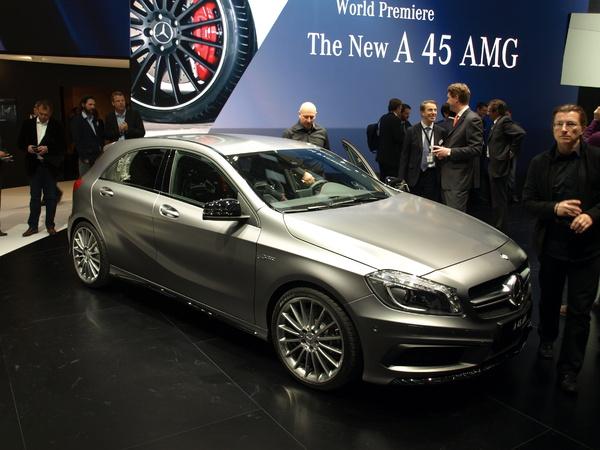 Vidéo en direct du Salon de Genève 2013 : Mercedes Classe A45 AMG - la djeun's attitude