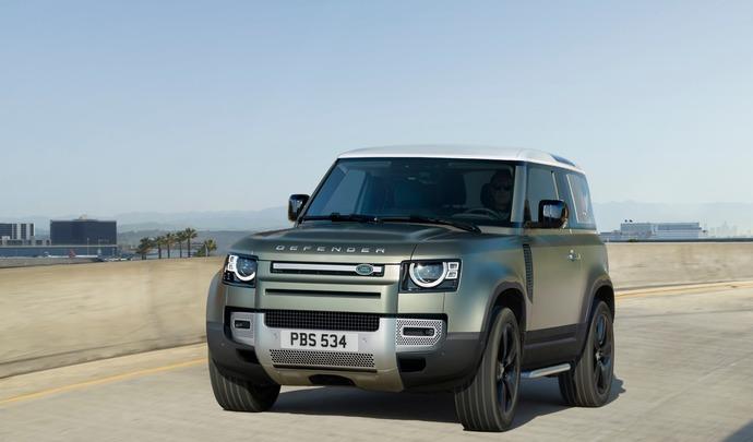 Le nouveau Land Rover Defender aperçu en version V8 BMW ?