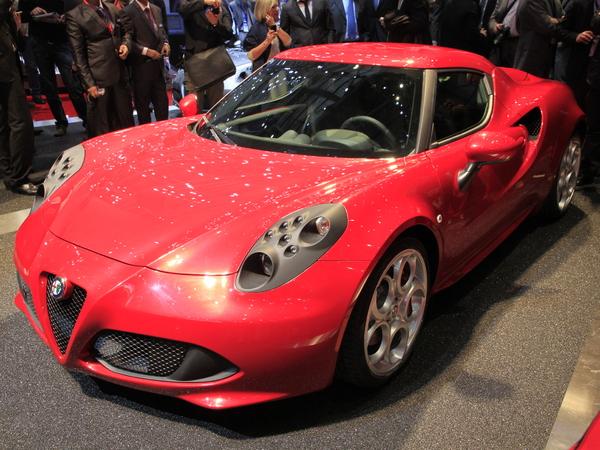 Vidéo en direct de Genève 2013 : Alfa Romeo 4C, vous allez l'aimer
