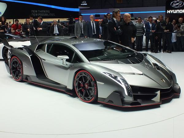 Vidéo en direct de Genève 2013 - Lamborghini Veneno : radicalement exubérante
