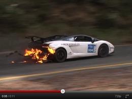 Une Lamborghini Gallardo Super Trofeo Stradale qui a le feu aux fesses (mais qui gagne quand même)