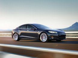 Tesla : un hacker fait une découverte, la marque réplique