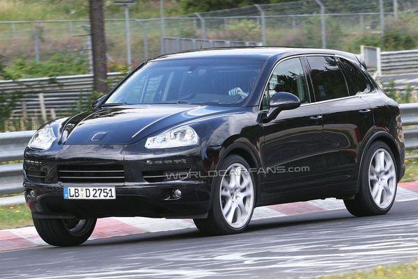 Spyshot : le futur Porsche Cayenne se découvre un peu plus