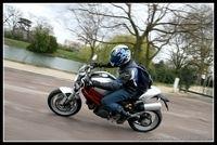 Essai vidéo - Ducati Monster 1100 : Le Monster sacré...