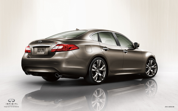 nouvelle infiniti m c 39 est elle avec un v6 diesel pour l 39 europe. Black Bedroom Furniture Sets. Home Design Ideas
