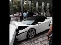 Inde : un voiturier détruit une Lamborghini Gallardo
