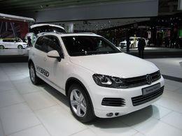 Le prix de vente du  Volkswagen Touareg Hybrid 2011 aux Etats-Unis? A partir de 60 565 dollars