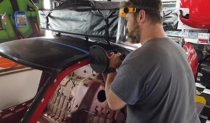 Il coupe sa Honda NSX pour en faire une remorque