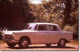 Peugeot 404 : Le charme discret de la  bourgeoisie...
