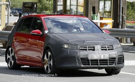 Spyshot - Volkswagen Golf R : ça va faire mal