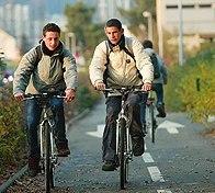 Vel'Nature dans la ville du Mans : le vélo accompagne le tramway