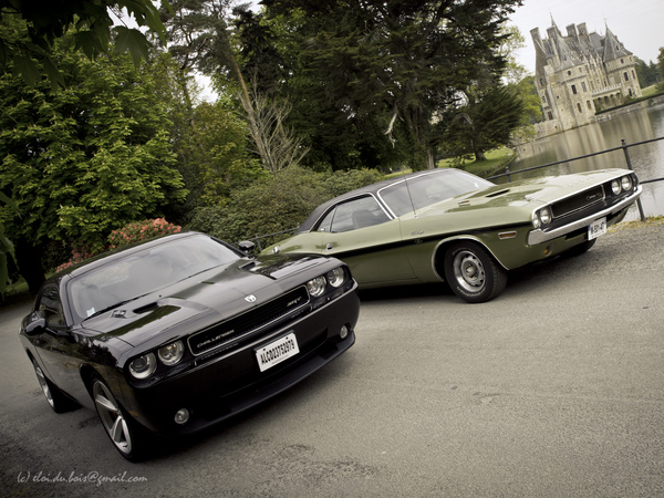 Photos du jour: Duo de Dodge Challenger !