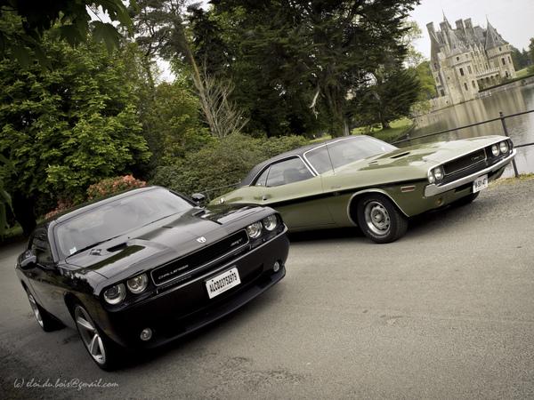 Photos du jour: Duo de Dodge Challenger !
