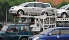 Mystère : un sniper allemand s'amuse à tirer au fusil sur des voitures neuves