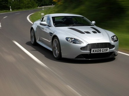 Futures Aston Martin CC100 et Rapide hybride