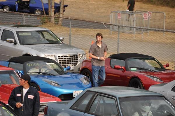 [Vidéo] Un quart de mile en 12,64 secondes pour la Tesla Roadster Sport